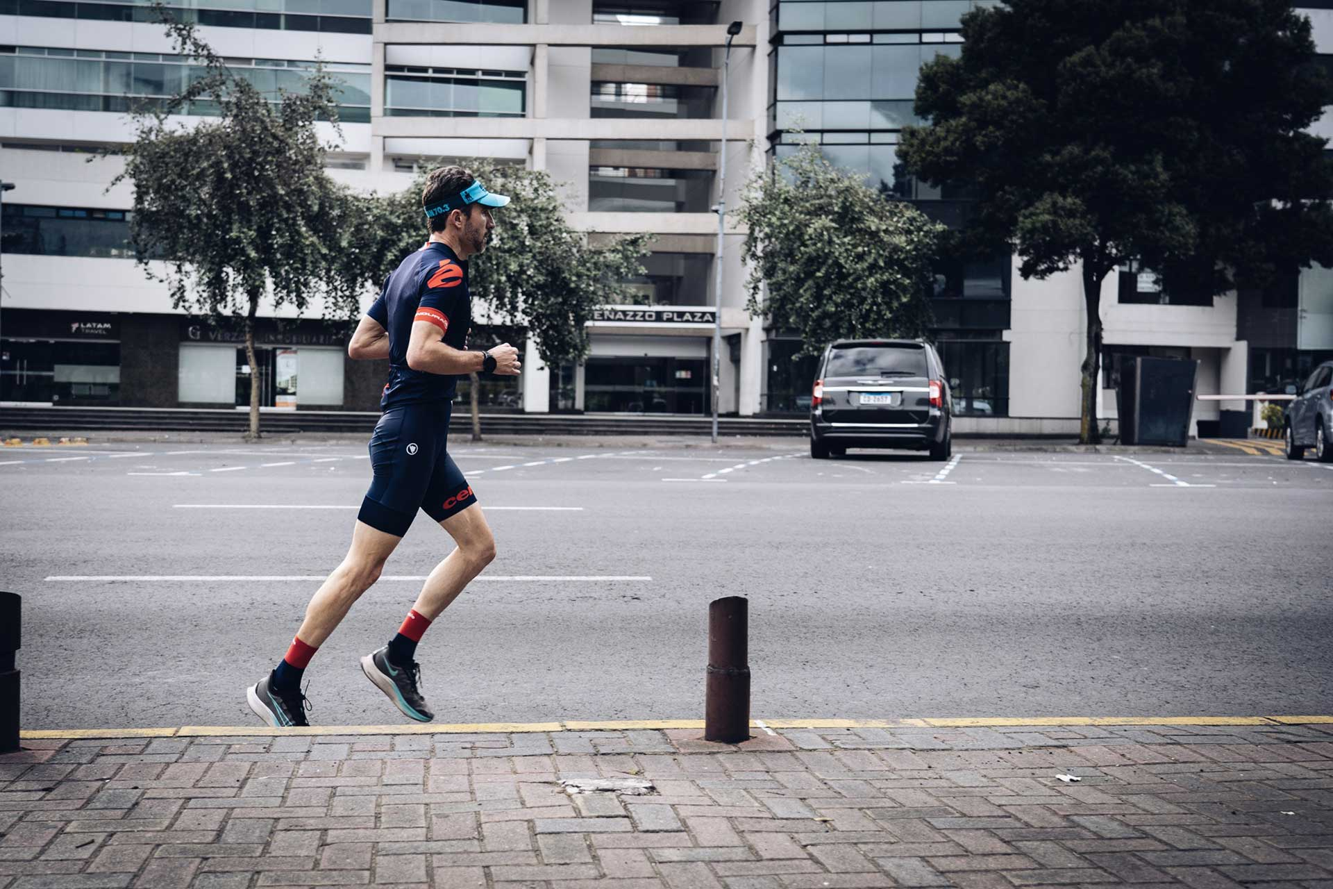 bet triatlo running